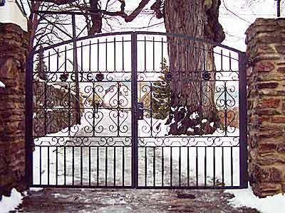 Tor einer Kirche
